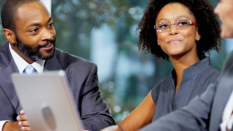 Comment-Bien-Choisir-Vos-Contrats-D'assurance-Entreprise_LMR